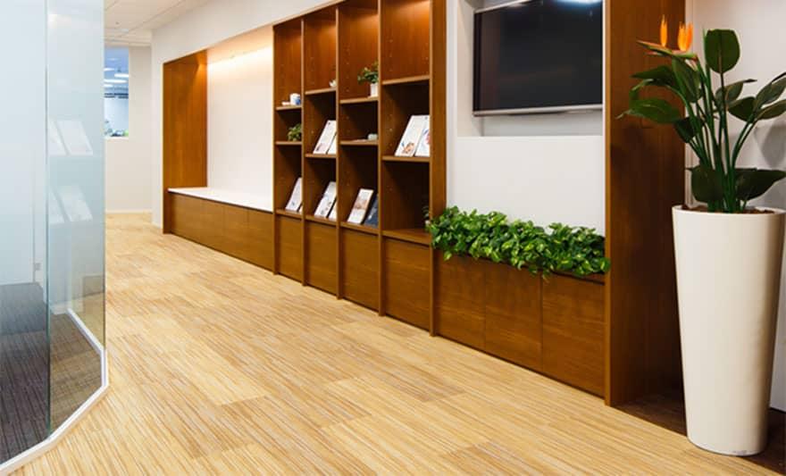 オフィスデザイン実績 クライアントスペース(ナチュラル、落ち着いた)