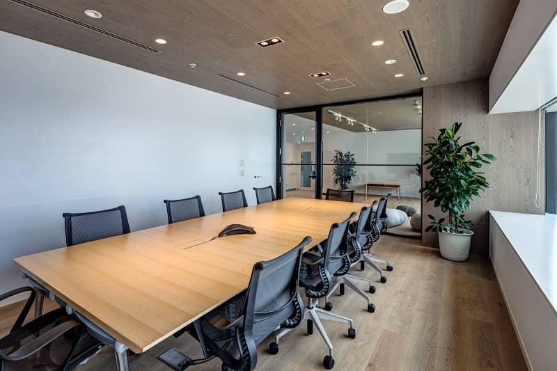 オフィスデザイン実績 ミーティングルーム(シンプル、ナチュラル)